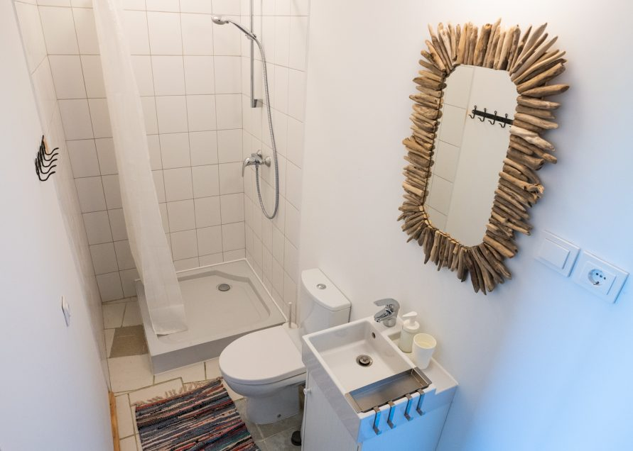 sodyba Prie Dusios keturvietis kambarys wc dušas
